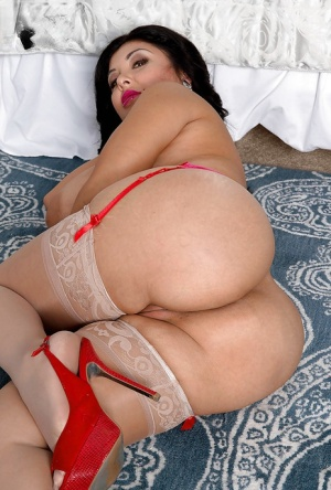 Naked Mexican Milf