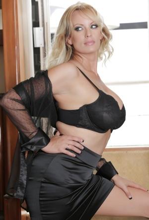 Blonde milf pornstar Milf Pornstar Pics Nude Milfs Sex Xxx Photos At Exclusive Milf Com